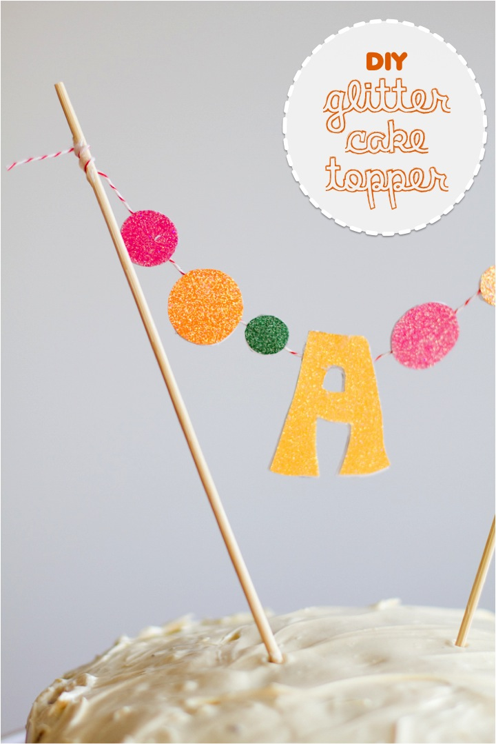 DIY glitter monogram cake toppers. Make one....or grab one ...
