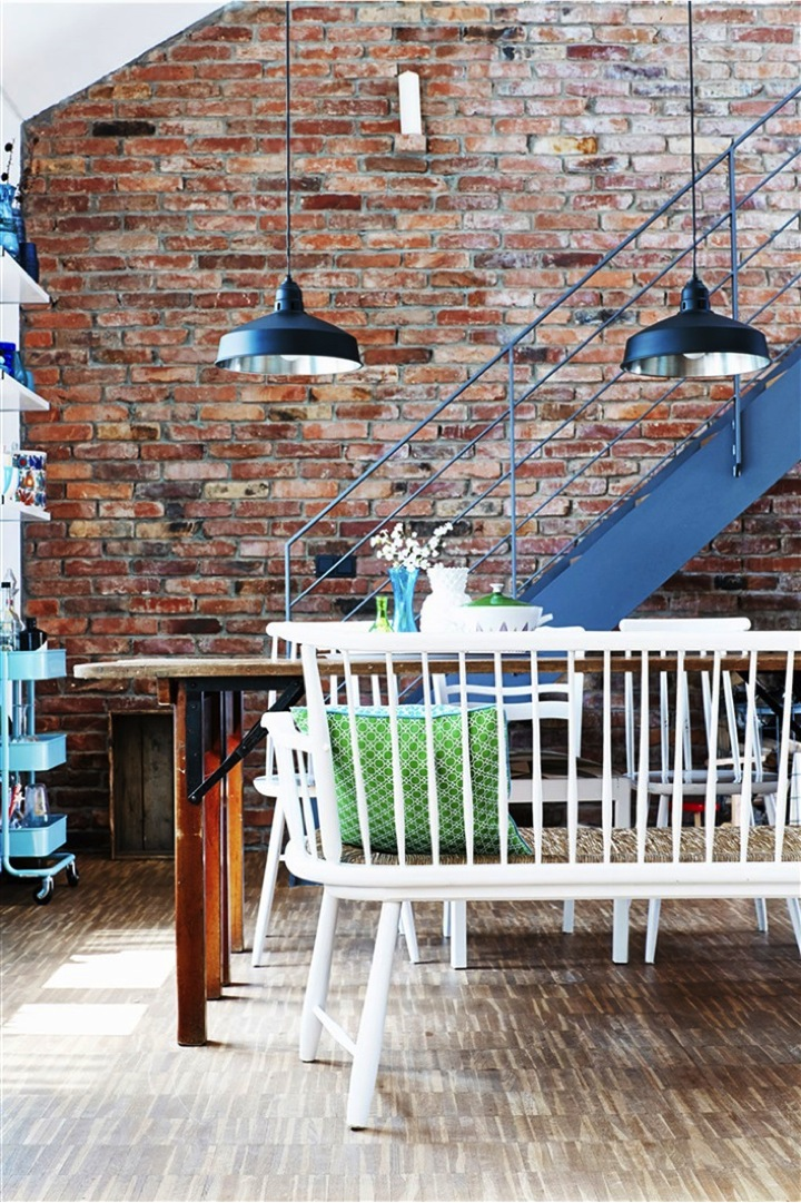 exposed bricks and pendant lights