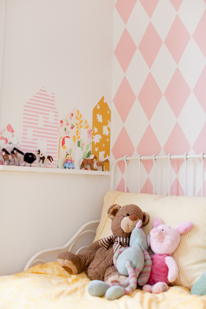 Diy row of wallpaper houses removable this little - Papel pintado para dormitorio ...