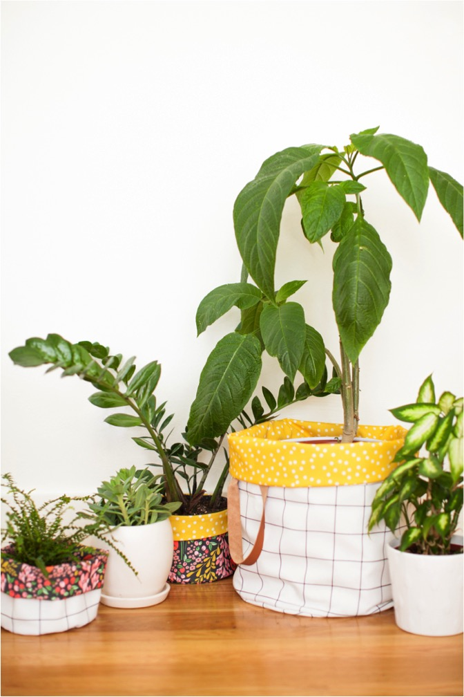 DIY reversible fabric storage bin for plants